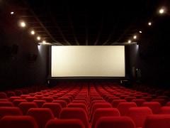 映画鑑賞の際に便利!映画のあらすじや評価を素早くチェックできるアプリ『映画.com』。
