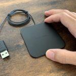 スマホを置くだけ充電。薄型・軽量で持ち運びやすいQi対応ワイヤレス充電器「Thin Light」レビュー!